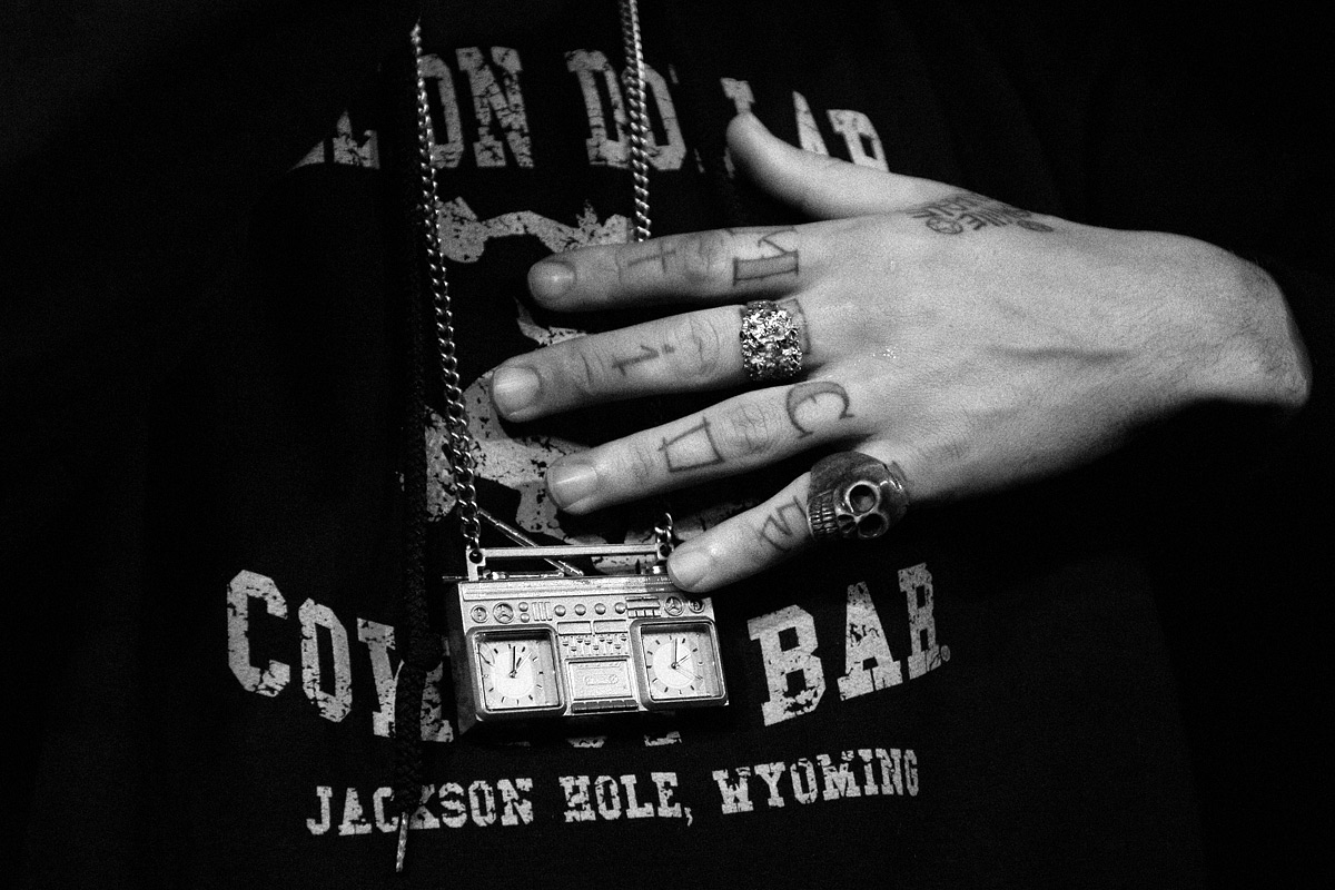Yealwolf At The Million Dollar Cowboy Bar