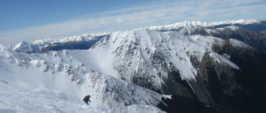 Dropping the ridge from Broken River to Craigieburn