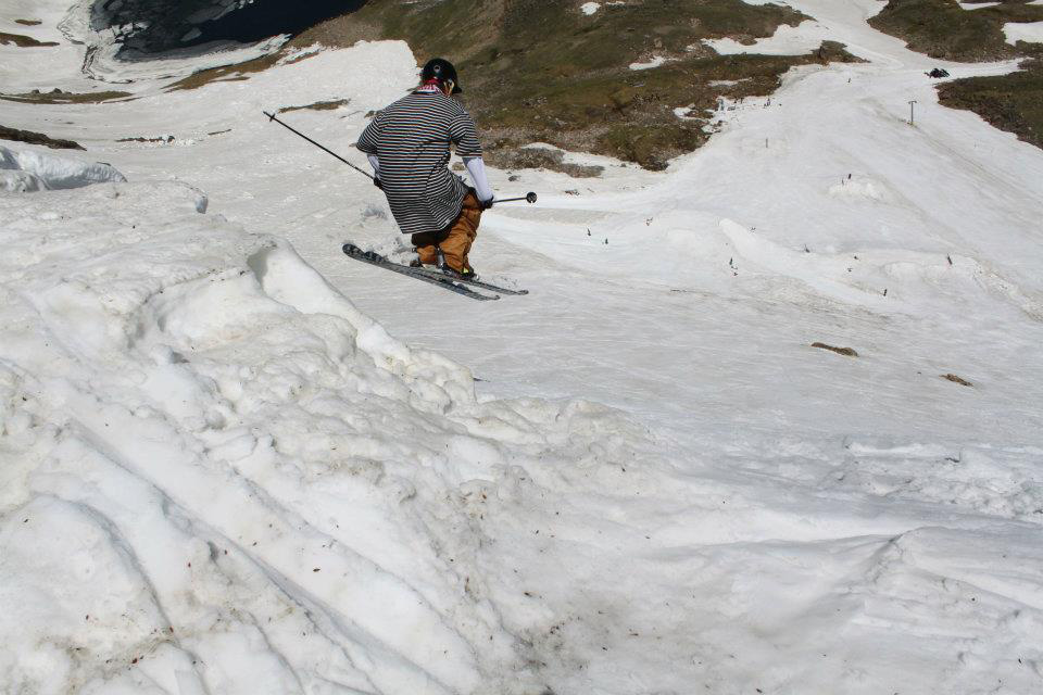 Dropping in to Beartooth Pass