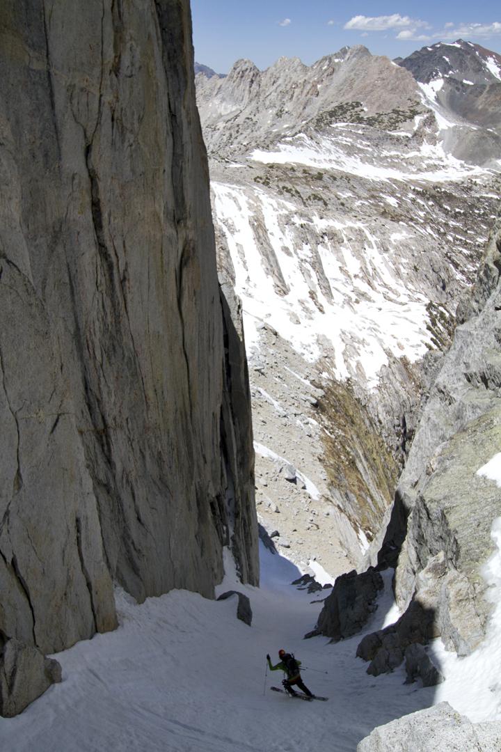 Brennan Lagasse skis a Sierra couloir