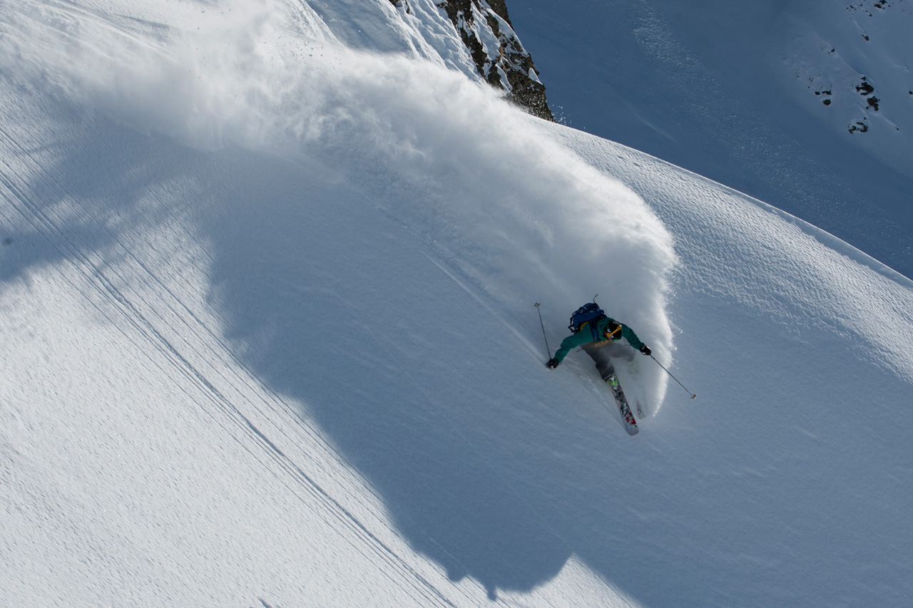 Colter Hinchliffe skis austria