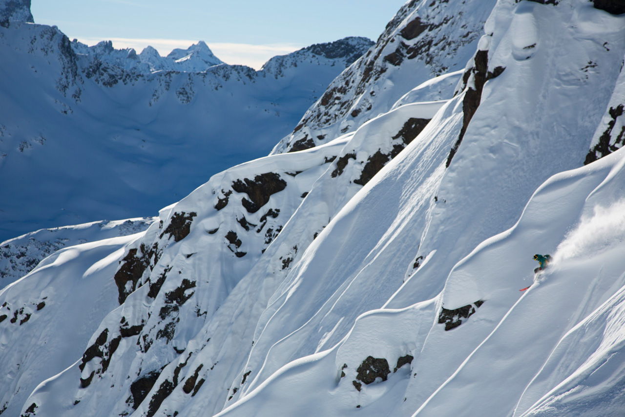 Colter Hinchliffe skis austria spines