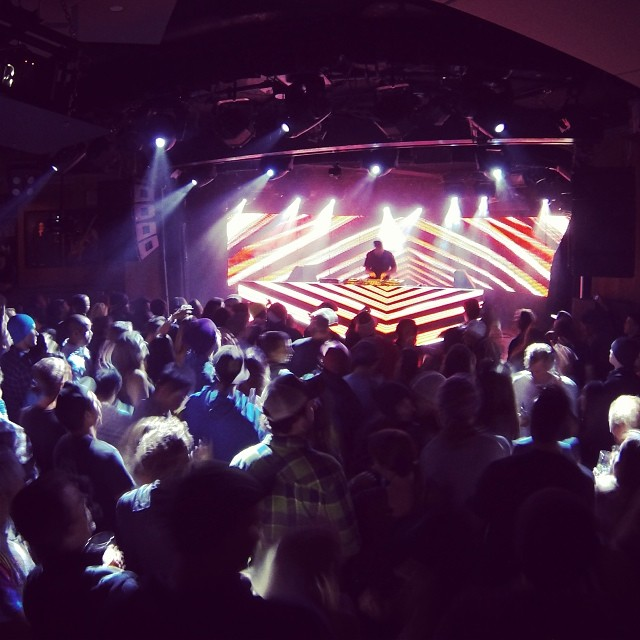 DJ Shadow doing it right