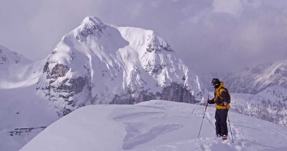 dana-on-top-of-ridge-in-italy_FB-size.jpg