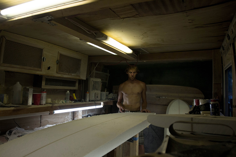 The Dirtbag's Guide to Getting Shit Done: Making a Surfboard