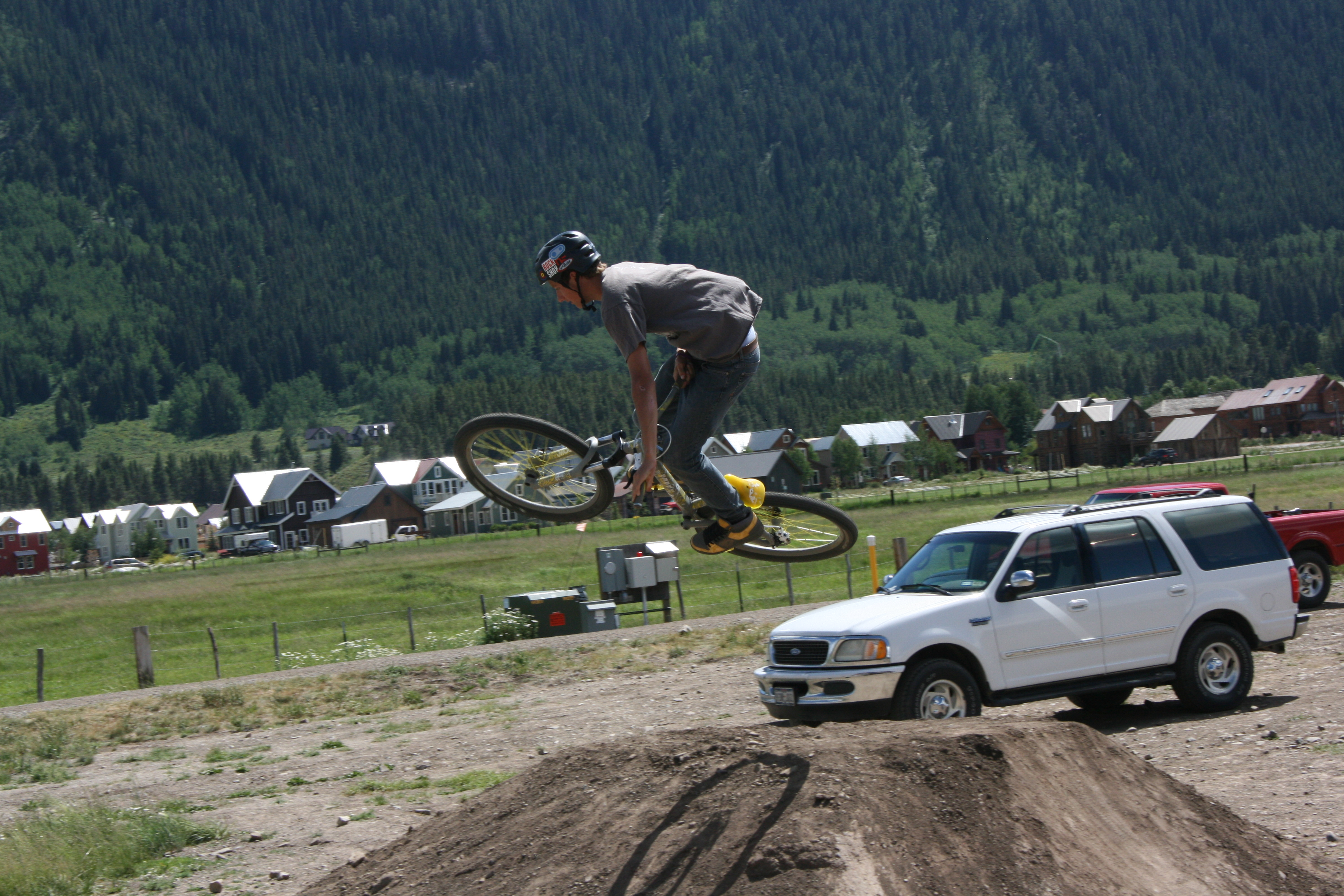 how to build dirt jumps mtb
